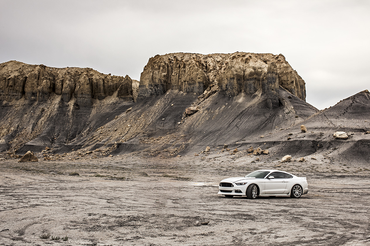 Muscle Car Ford Mustang in the desert